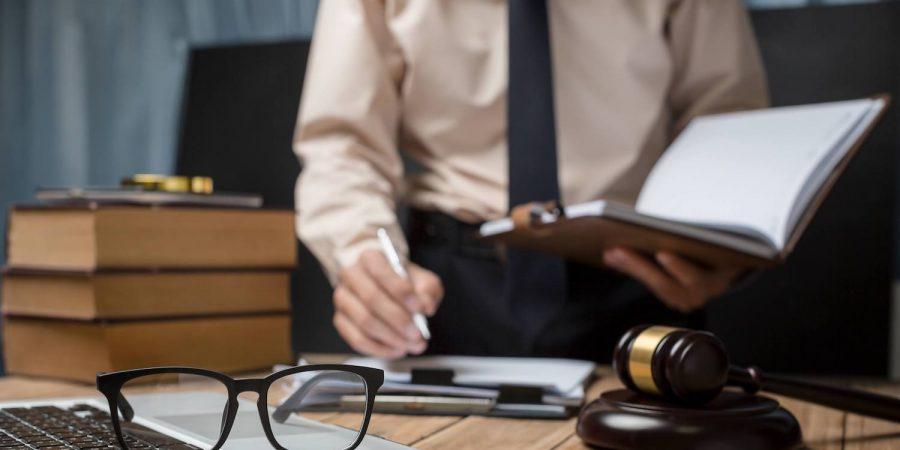 Hukuk Programlarının Avukatlara Sunduğu Hizmetler