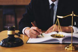 Stajyer Avukat Kendini Nasıl Geliştirmeli